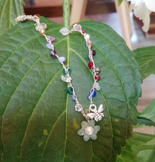 braccialetto con ape e fiore
